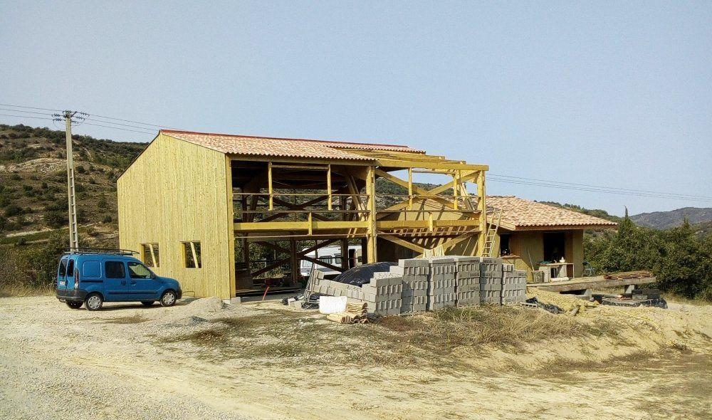 Construction d 39 une maison en paille chantier for Que peut on construire sur un terrain agricole