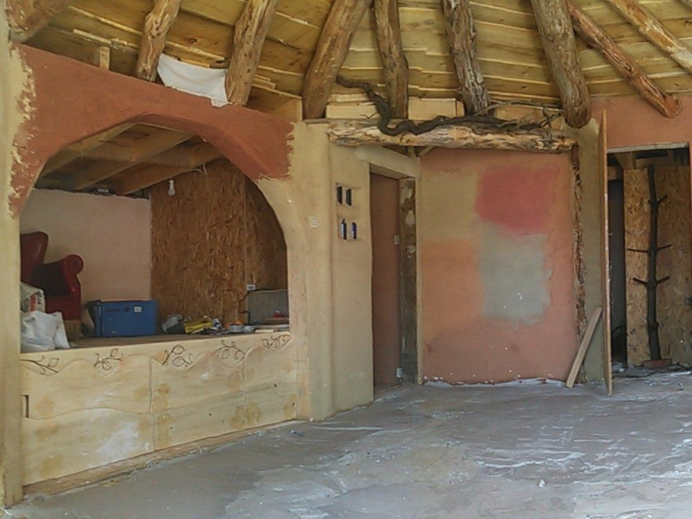 chantier participatif hobbit house enduits terre et chaux. Black Bedroom Furniture Sets. Home Design Ideas